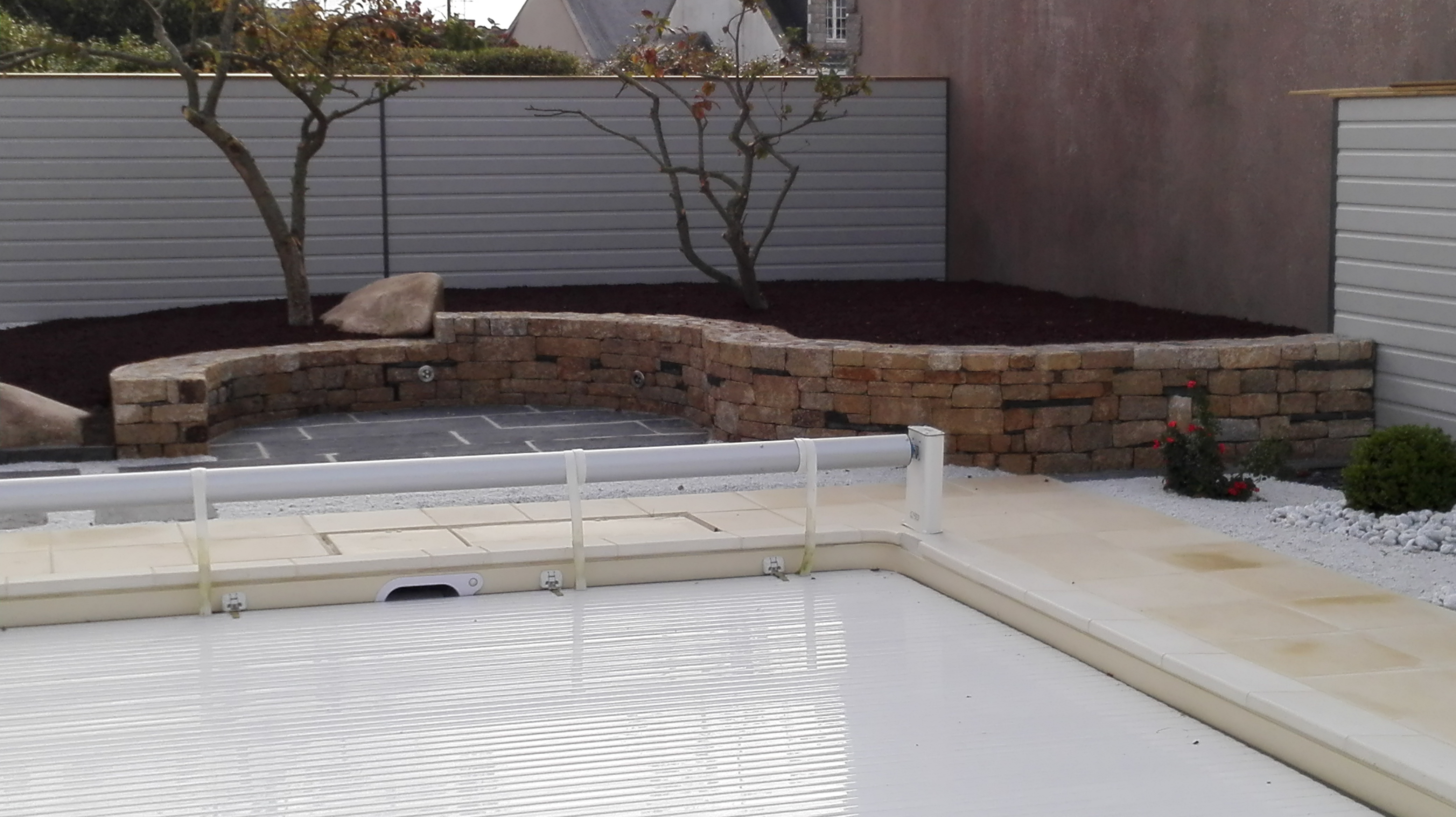 Muret terrasse pierre et schiste